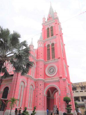 ホーチミンのタンディン教会、世界のピンク観光スポットに選出のサムネイル