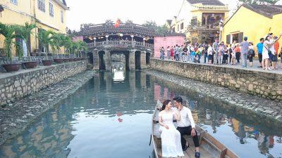 アジアで魅力的な都市ホイアンのサムネイル